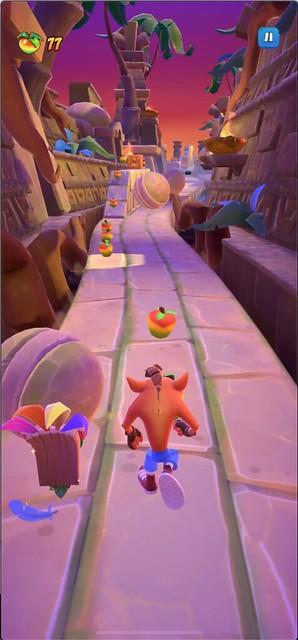 Crash Bandicoot_ On the Run! - Gameplay Screenshot 1