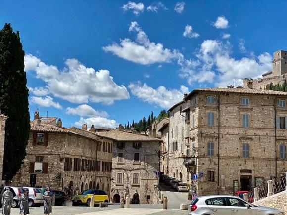 Piazza San Rufino