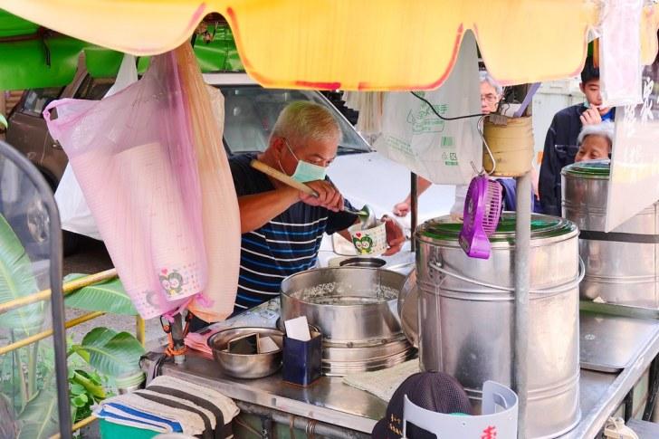 50130661346 24ba559f10 b - 台中羅家傳統豆花│兩代傳承50年叫賣三輪車,從小吃到大一碗35元自製花生豆花裝滿滿