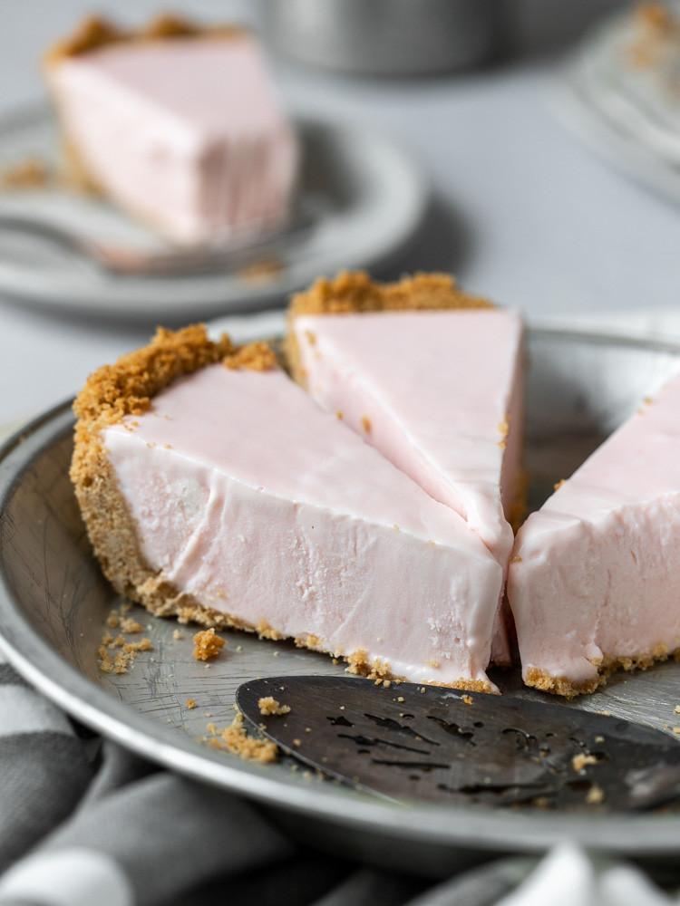 Frozen Pink Lemonade Pie BLOG (2 of 3)