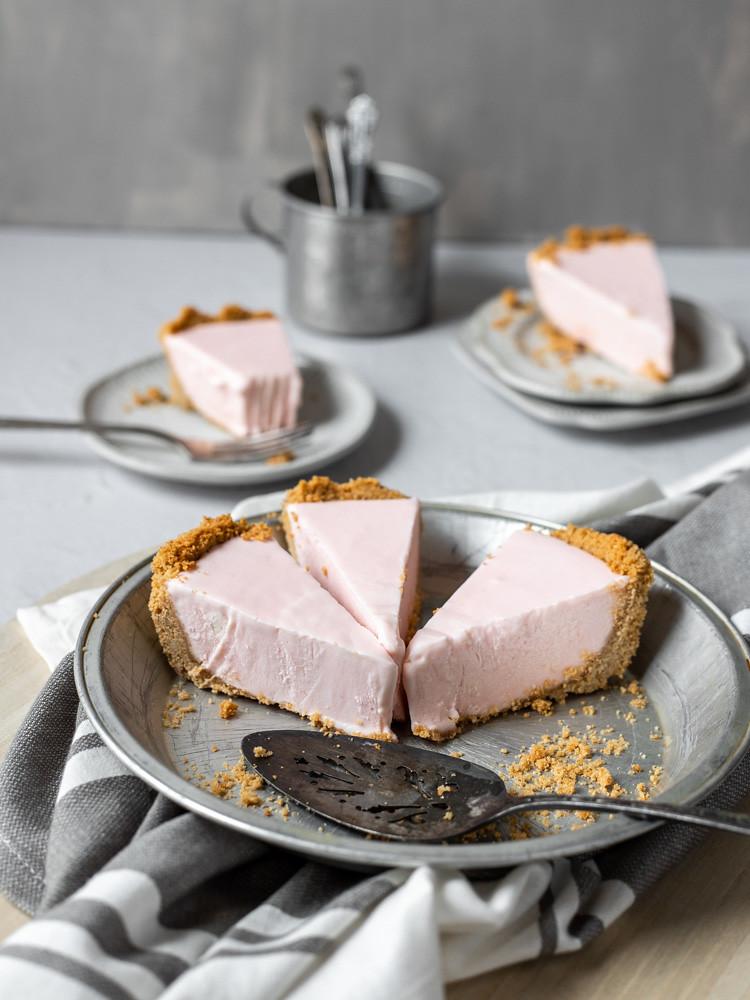 Frozen Pink Lemonade Pie BLOG (1 of 3)