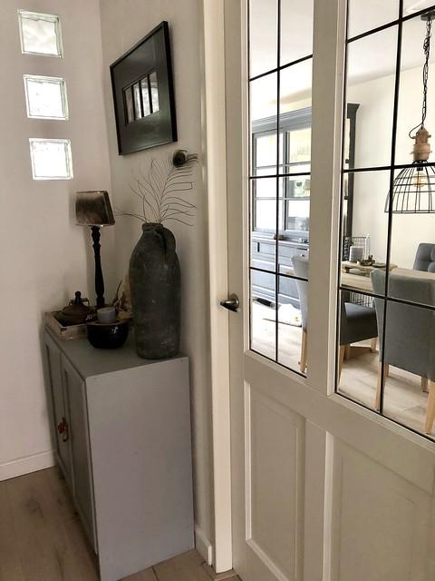 Hal met en suite deuren jaren '30 woning
