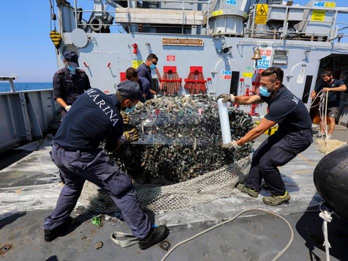 Emergenza ecoballe Golfo di Follonica