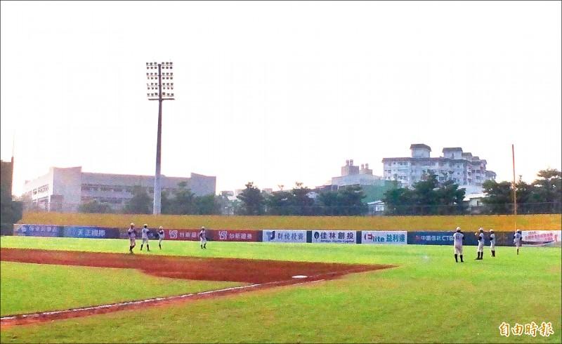 屏東,國際棒球場,棒球,六塊厝,屏東棒球場,