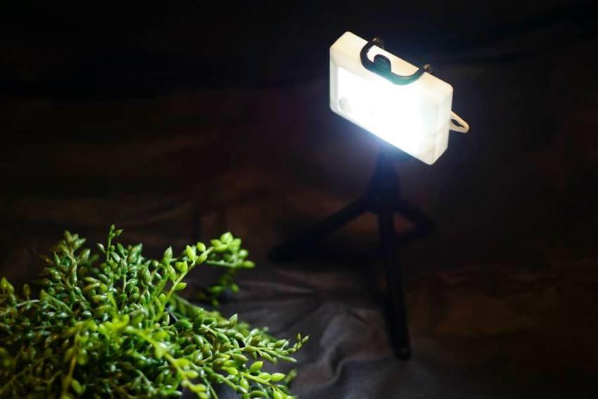 簡易照明100均カメラ