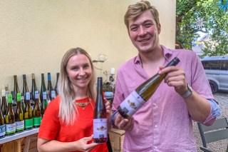 Jessener Weinprinzessin Theresa Zwicker und Jessener Winzer Johannes Zwicker