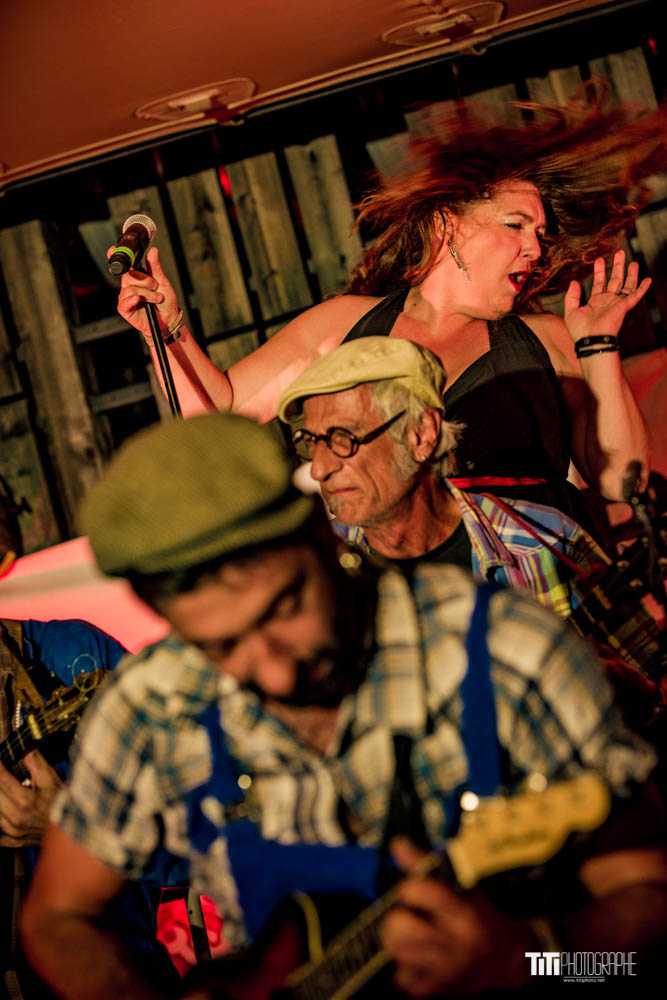 20200910-Big Ukulele Syndicate-La Belle Electrique-4086.jpg
