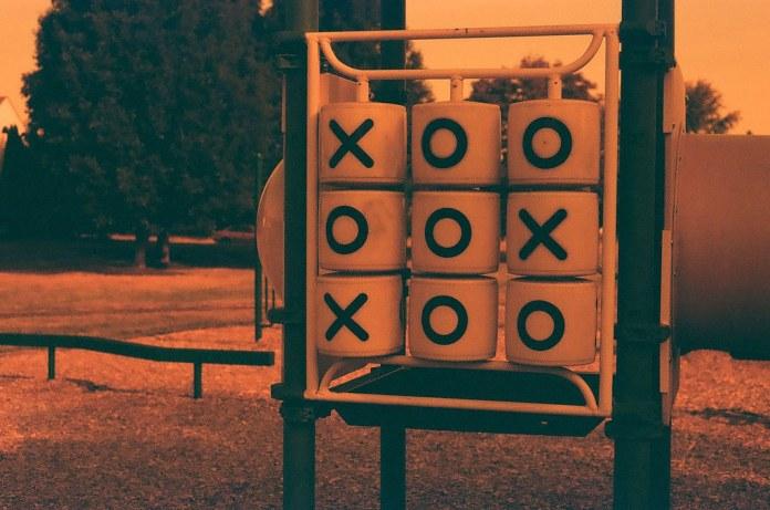 XOO OOX XOO
