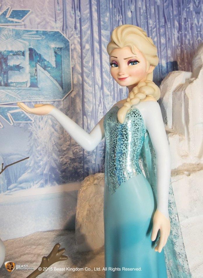 Frozen 是次展覽為各位開啟一段絢麗的魔法冒險,邀請大家與愛莎、安娜一同踏上愛及勇氣的魔幻旅程