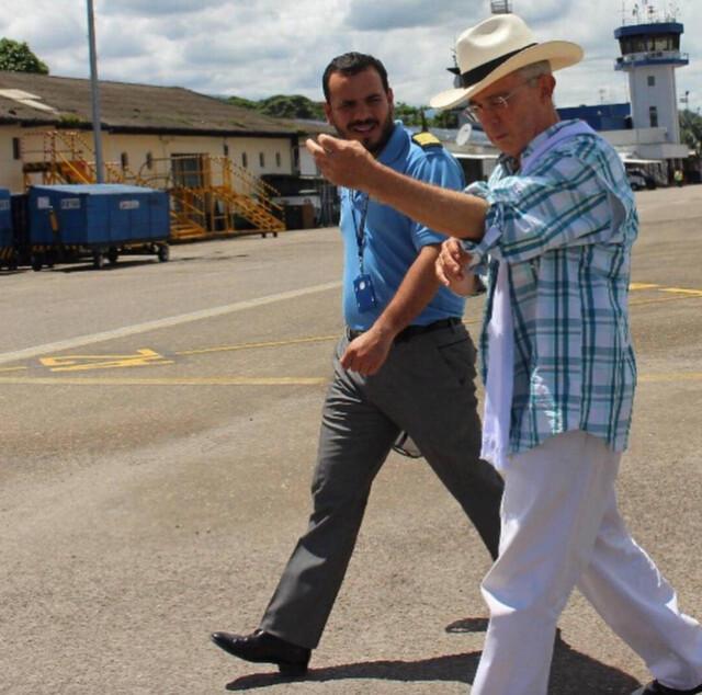 En 2018, David Cataño acompañó amistosamente a Uribe en sus trayectos de campaña por el oriente colombiano.