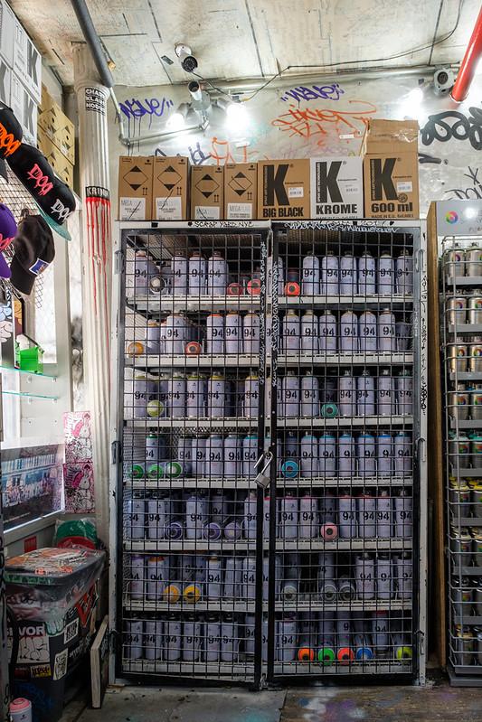 Scrap Yard Manhattan - Paint Shop - New York, New York, États-Unis - 09/05/2018 12h11