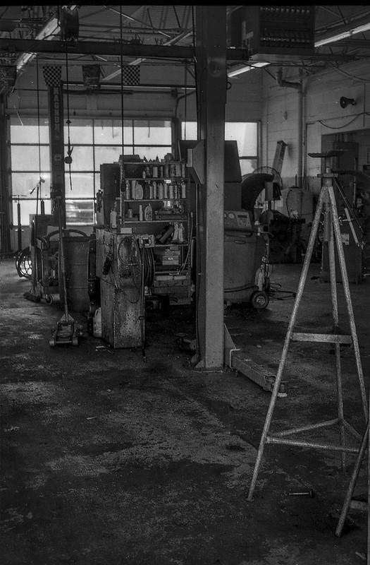 interior, shop, Mister Tire, Patton Avenue, Asheville, NC, Minolta XG-M, Super Albinon 28mm f-2.8, Arista.Edu 200, Moersch Eco developer, 11.24.20