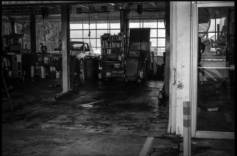 interior II, shop, Mister Tire, Patton Avenue, Asheville, NC, Minolta XG-M, Super Albinon 28mm f-2.8, Arista.Edu 200, Moersch Eco developer, 11.24.20