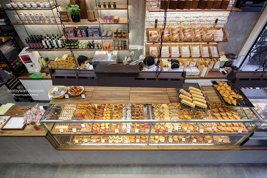 Croisserie Damansara Heights: Pastries & Bread with O' Coffee Club Coffee    Malaysian Flavours
