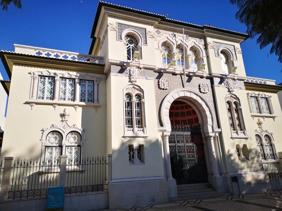 edificio del Banco de Portugal en praça dom Francisco Gomes Faro Portugal