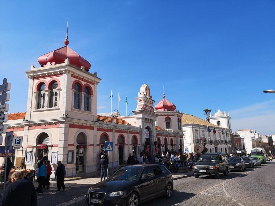 fachada exterior edificio Mercado de Loulé Portugal 01