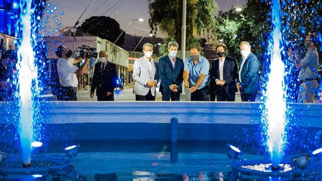 2020-01-13 PRENSA Uñac inauguró la recuperación de la histórica fuente de Libertador y Las Heras (4)