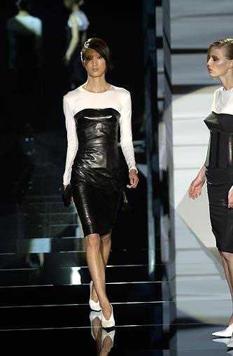 gucci-runway-fashion-show-spring-2001-tom-ford_14
