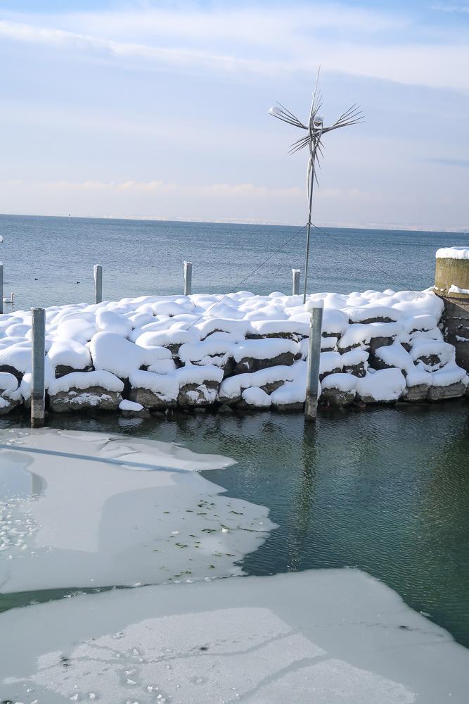 Sightseeing Walk Snow Lake Constance Friedrichshafen January 2021 Blog JoyDellaVita-14
