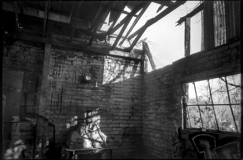 interior, abandoned mill, urban decay, River District, Asheville, NC, Minolta XG-M, Super Albinon 28mm f-2.8, Fomapan 400, HC-110 developer, 1.16.21