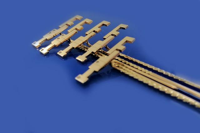 złote pinsy 3 próba, z diamencikami