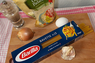Ingredients Vegetarian alla Carbonara Pasta fried Onions blog joydellavita
