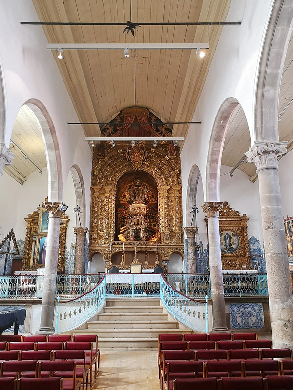 altar mayor retablo nave central interior Iglesia de la Misericordia Tavira Algarve Portugal 02