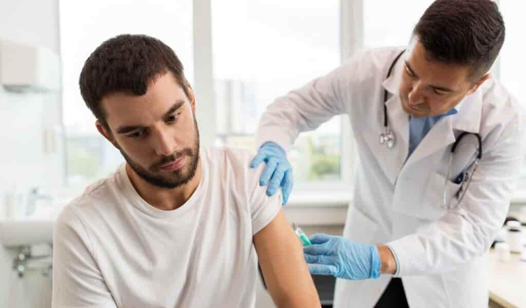 les-vaccins-arrêtenet-ils-la-transmission-du-virus