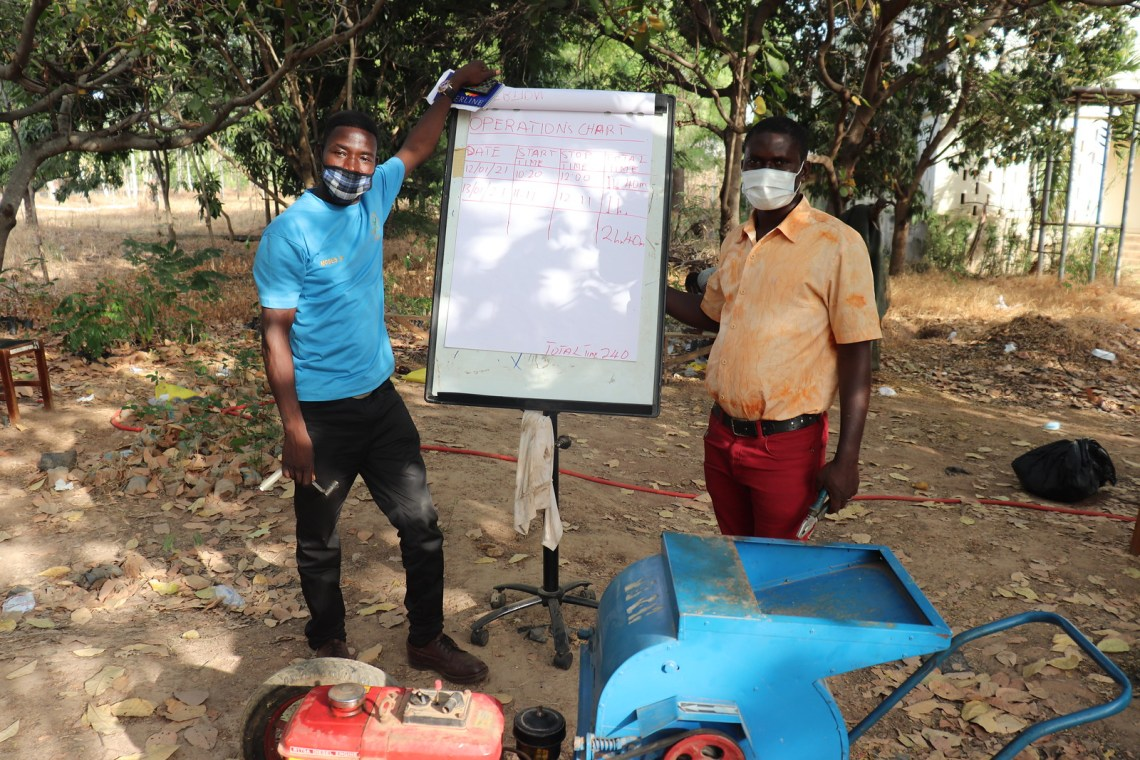 Africa RISING training for farmers on proper maintenance of diesel-powered maize shellers introduced to the community by the project. Photo credit: Wilhelmina Ofori Duah/IITA.
