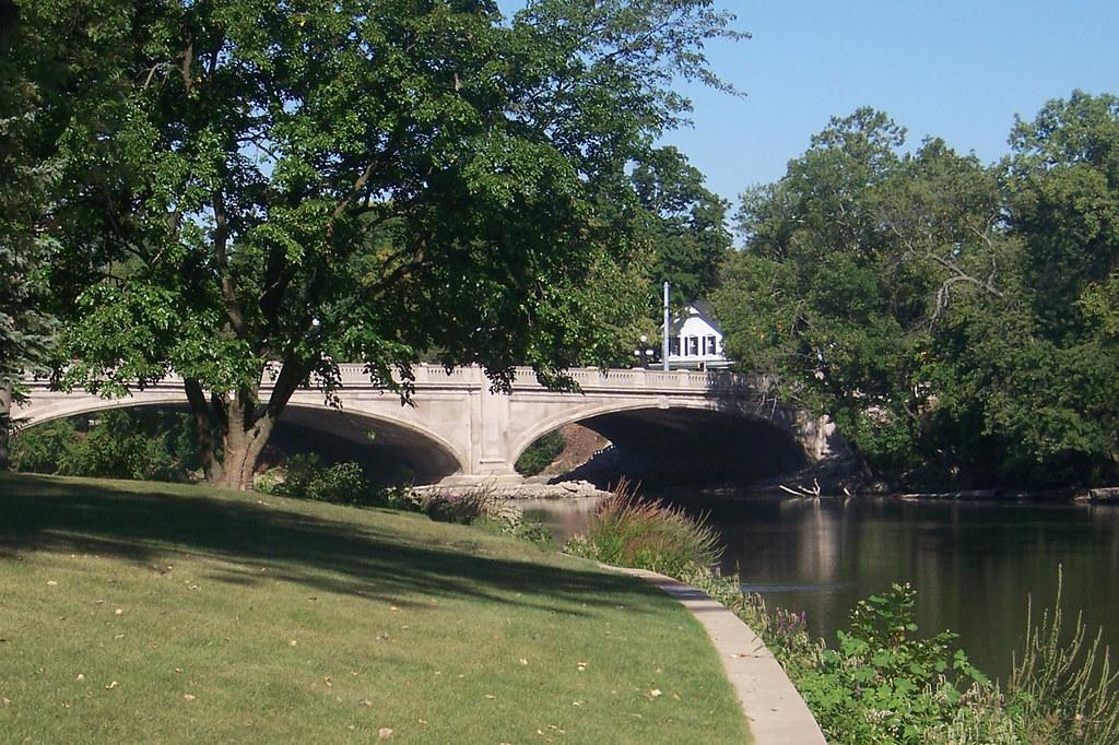 Bridge over the St. Joseph River at Leeper Park