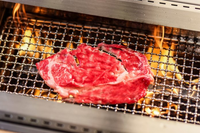 美國黑安格斯肩胛牛肉薄燒巨切