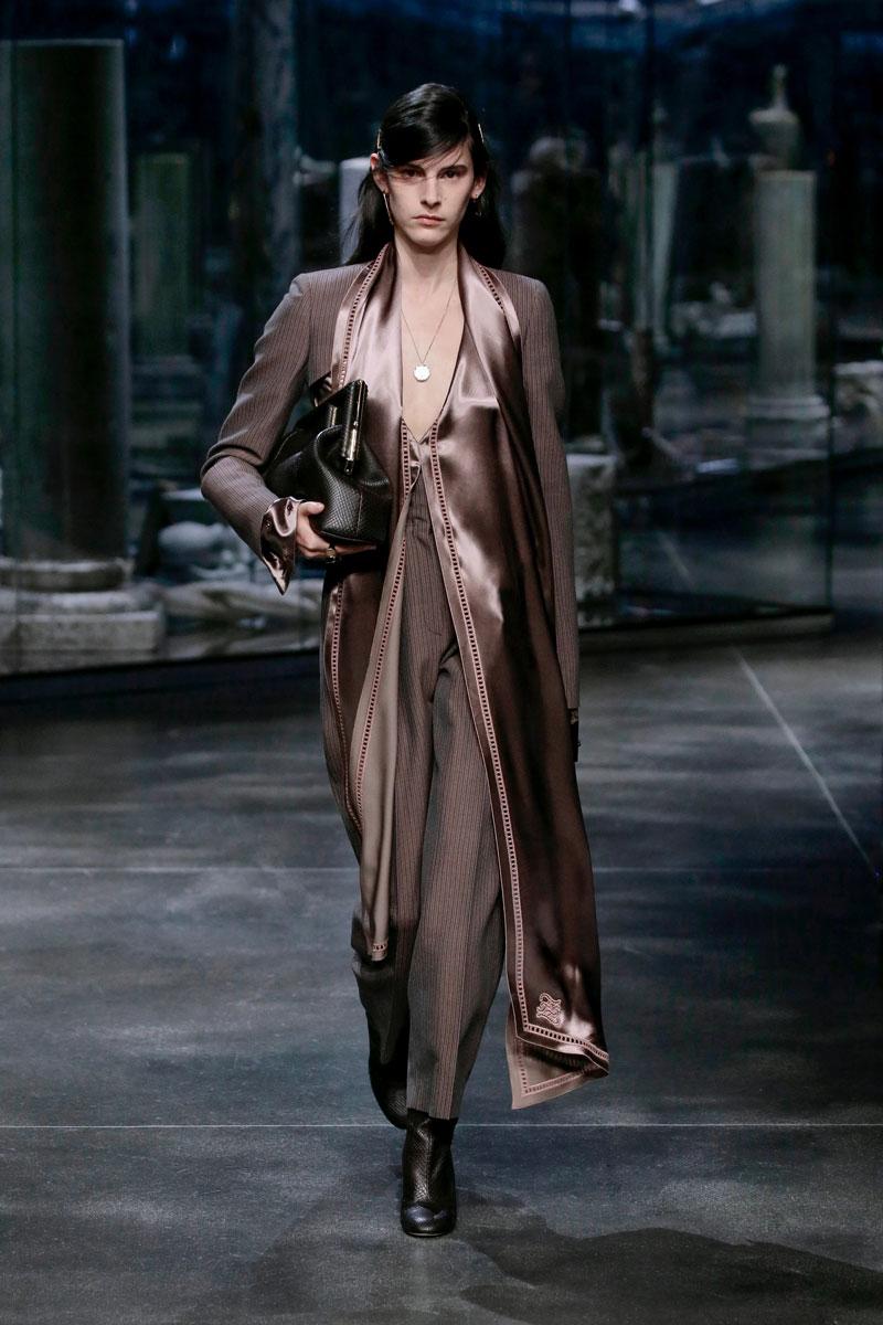 12-Fendi-Fall-2021-fashion-runway-show