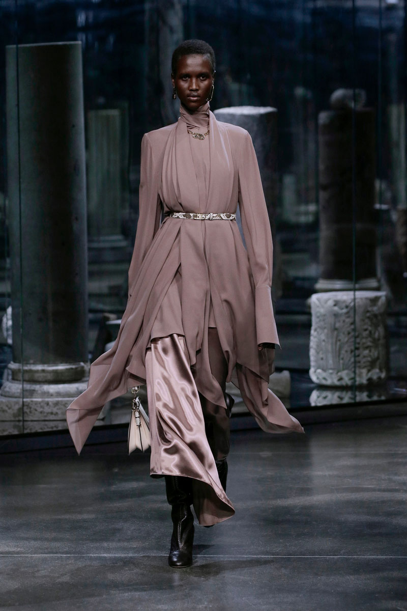 11-Fendi-Fall-2021-fashion-runway-show