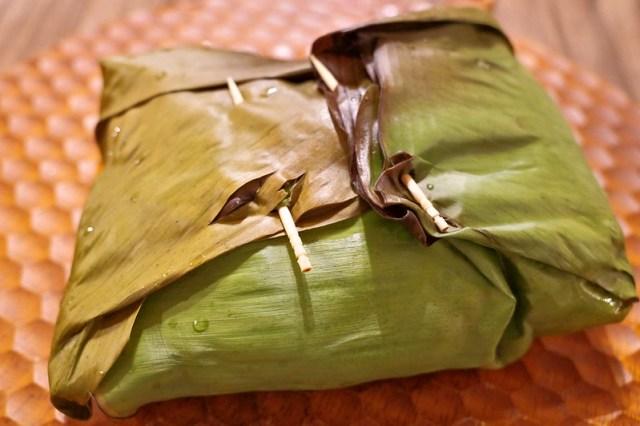 Sigiri Sri Lanka lunch rampraisバナナの葉で包む「ランプライス」で一気に記憶が蘇った。