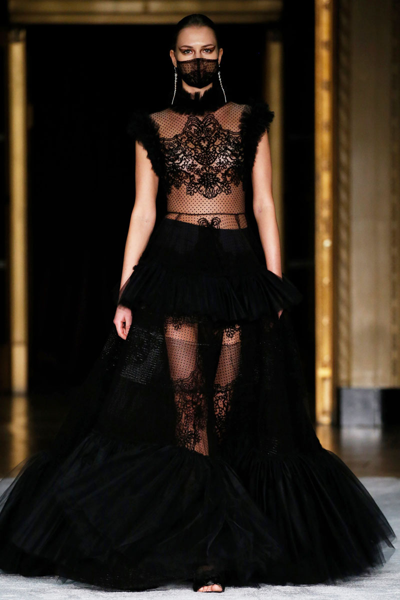18-Christian-Siriano-Fall-2021-fashion-runway-show