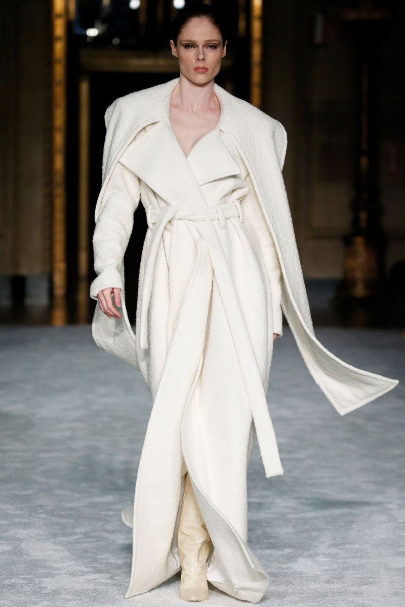 1-Christian-Siriano-Fall-2021-fashion-runway-show