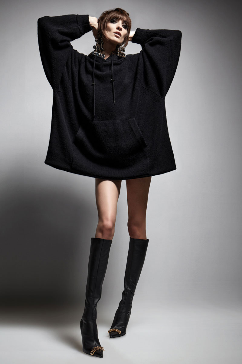 18-tom-ford-fall-2021-runway-fashion-show