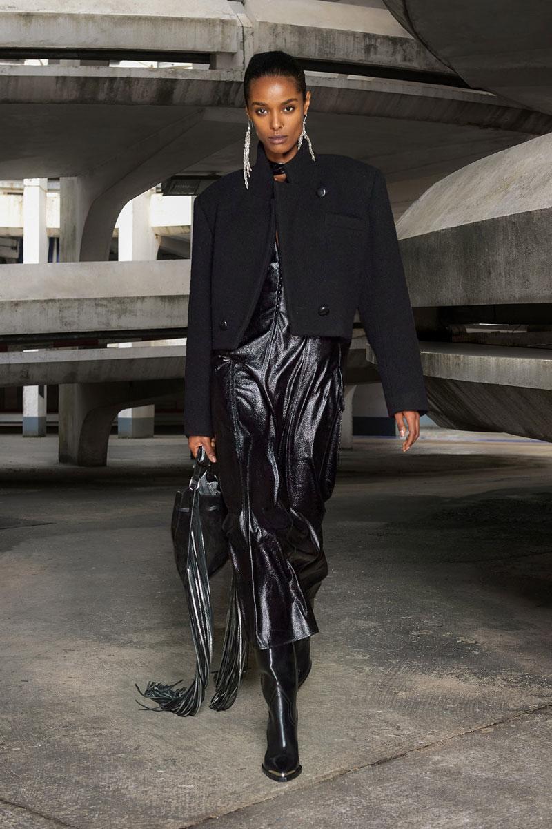 16_isabel-marant-fall-2021-runway-show-paris-fashion-week