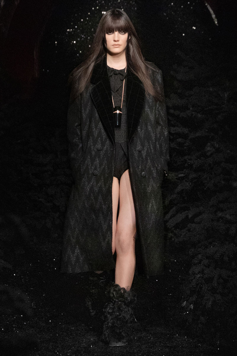 1_chanel-fall-2021-paris-runway-show-collection