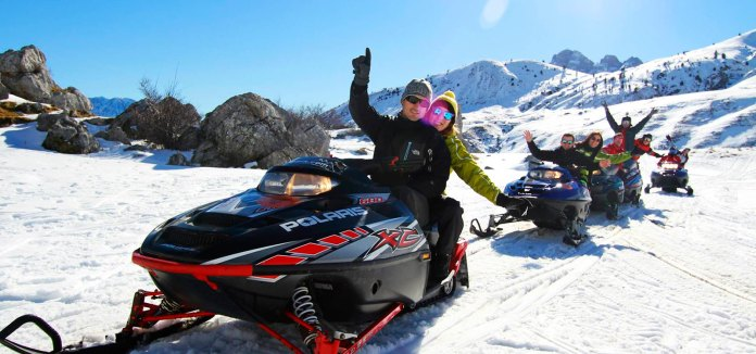 motos-de-nieve-Tenapark-rutas-guiadas 雪地摩托车 by 阿拉贡大区旅游局 庇里牛斯山