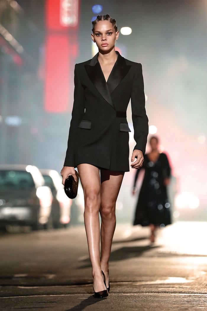 23_michael-kors-fall-2021-runway-show