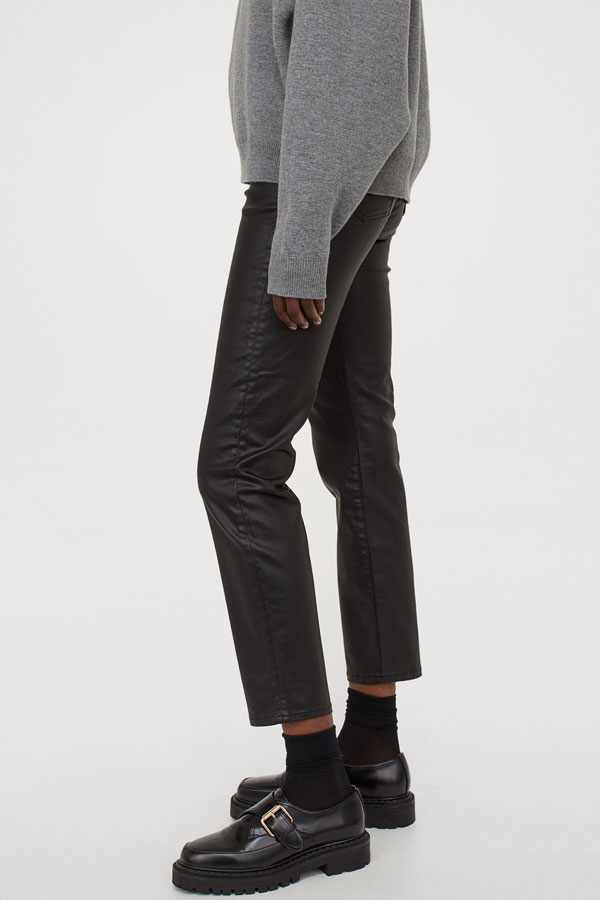 14_mom-high-ankle-black-coating-jeans-hm
