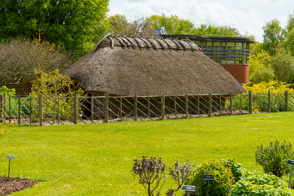 THE VIKING HOUSE [BOTANIC GARDENS]-191238