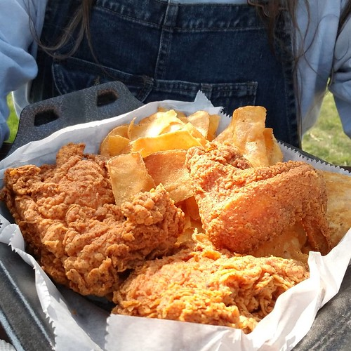 Fried chicken. I got the 3-piece knowing that I would temporarily regret it later, but temporary regrets become warm memories. I think I read that in a fortune cookie. Oh yeah babe. #yum #FriedChicken