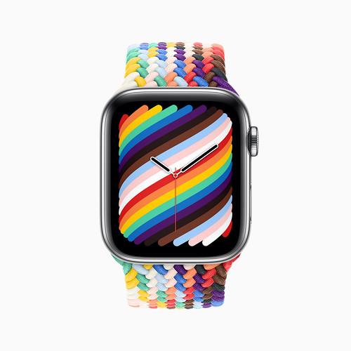 apple_pride2021_watch-series6_braided-solo-loop-pride-edition-pf_05172021