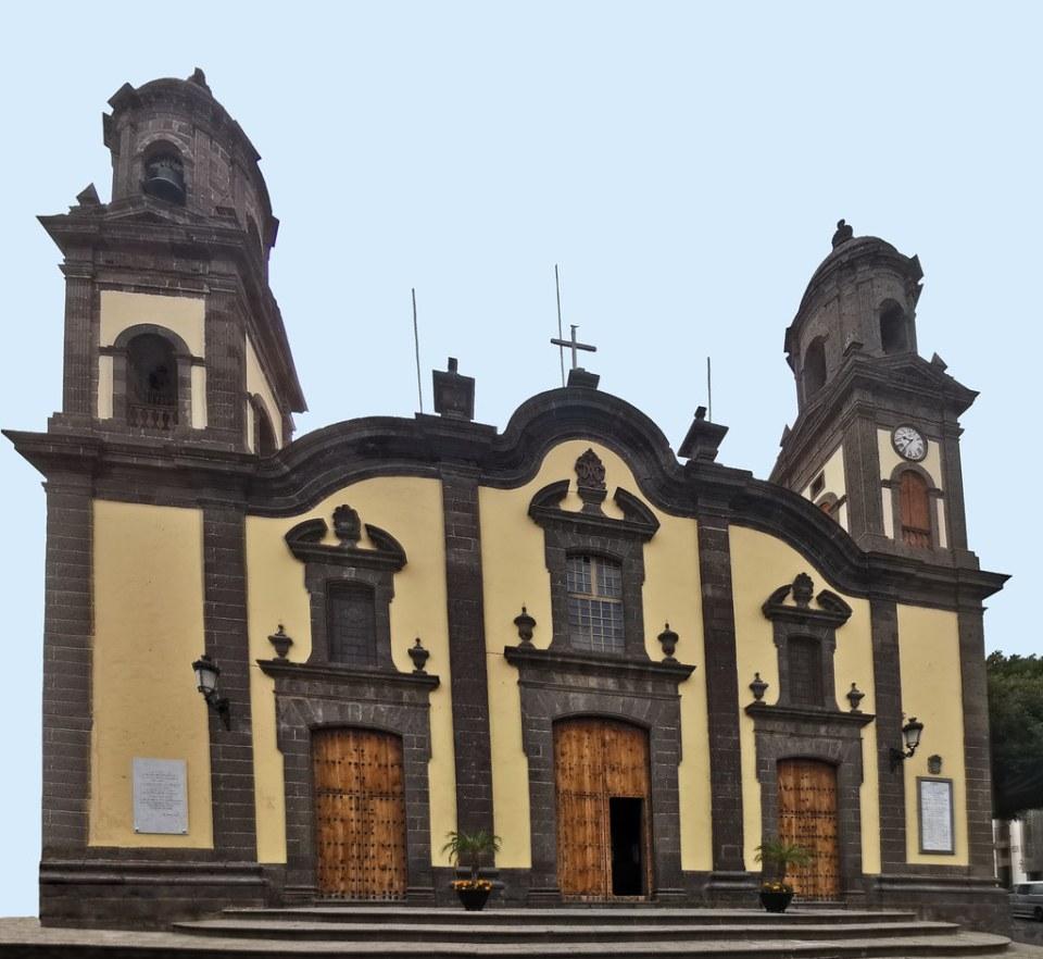 exterior Iglesia Matriz de Santa María de Guía Gran Canaria 02