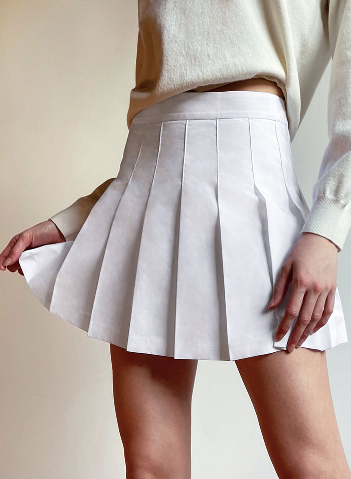 1_aritzia-tennis-skirt-pleated