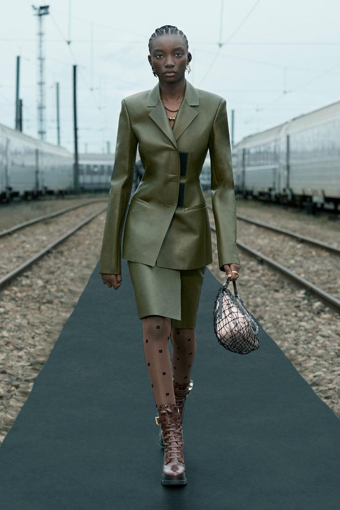 12-Givenchy-Resort-2022-runway