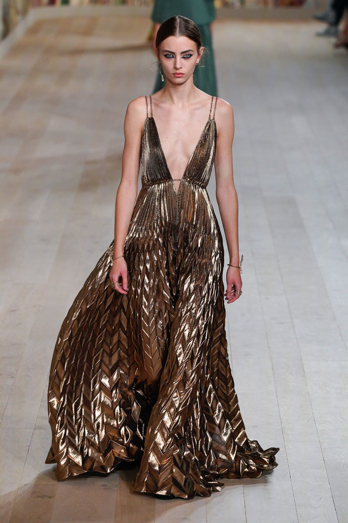12_christian-dior-couture-fall-2021