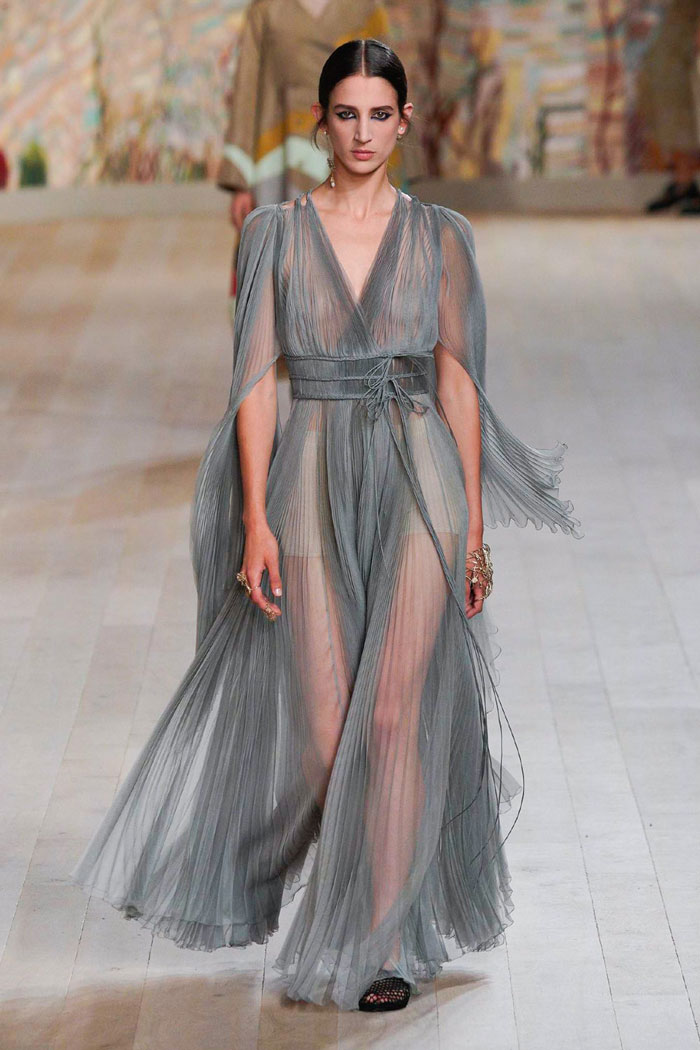 4_christian-dior-couture-fall-2021
